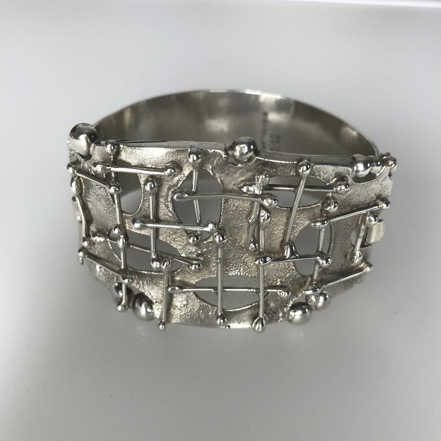 Swedish modernist bangle by DES Maritschnig 1970s