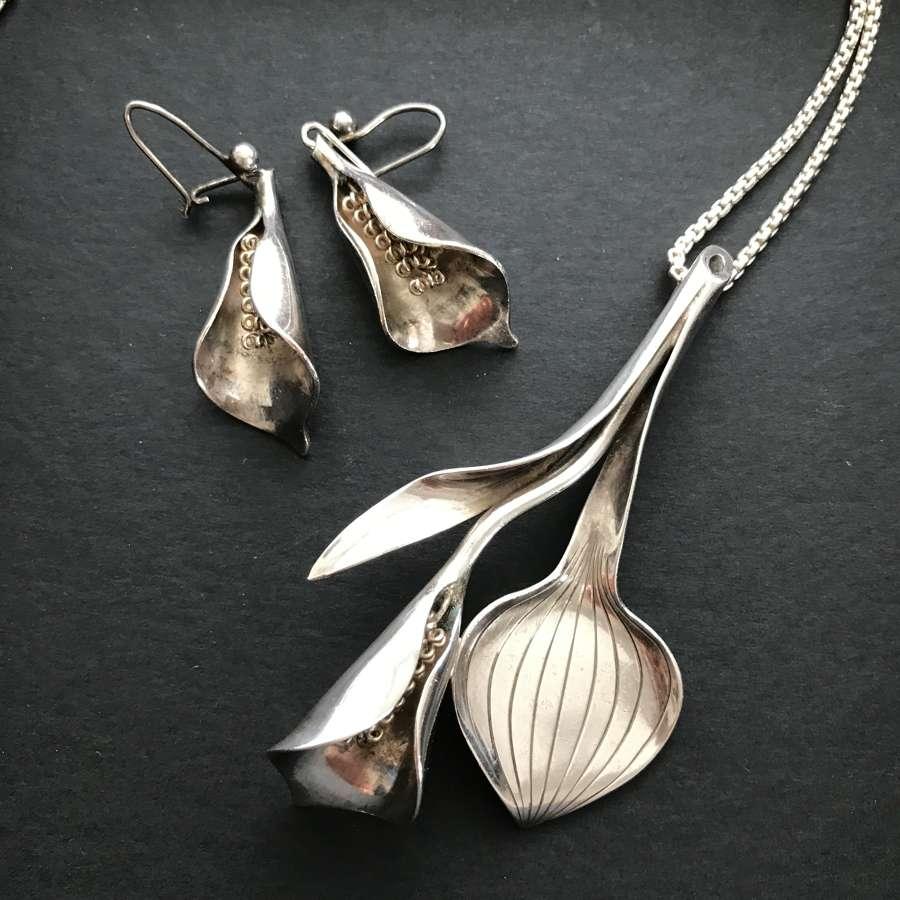 'Calla' pendant and earring set, Anton Michelsen, Denmark 1950s