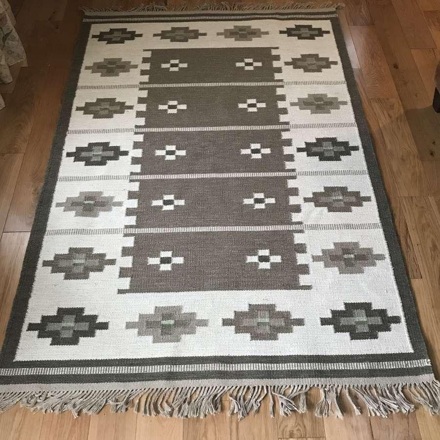 Swedish woollen handwoven röllakan rug, taupe design 1960s-70s